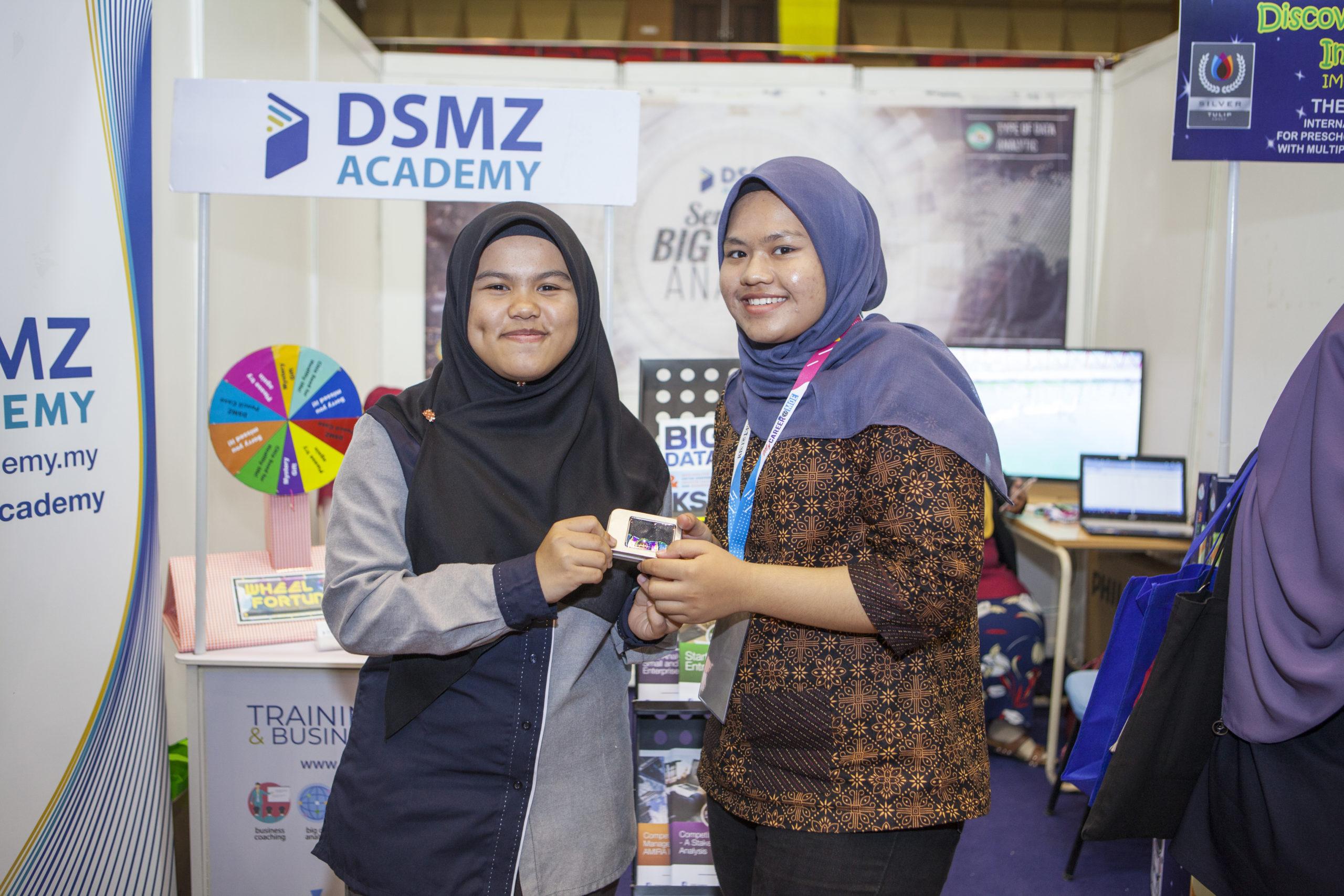 DSMZ-BOOTH-USIM6